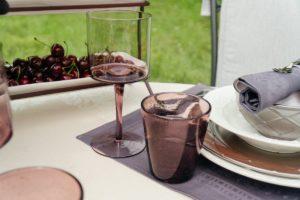 Бокал и стакан сливового цвета Villa D'este