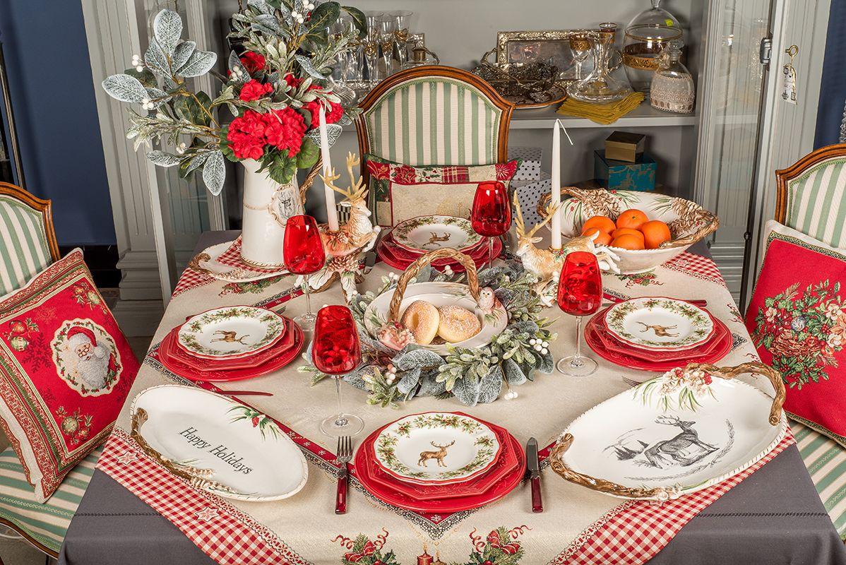 Праздничная сервировка «Краски Рождества» – как правильно сочетать керамику разных брендов