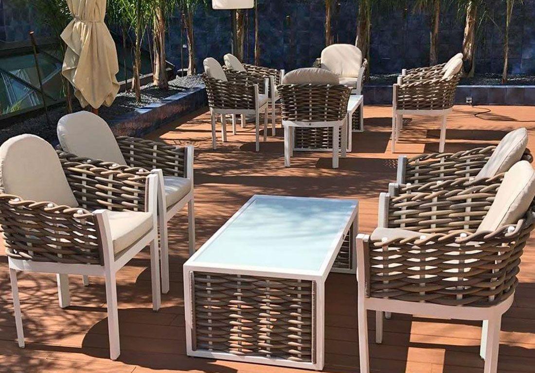 Отель «Pullman Barcelona Skipper» украсил свои роскошные террасы крупным объемным плетением коллекции Olivia.
