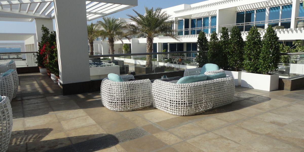 Белая коллекция Dynasty в ресторане «Provedore» (Дубай).