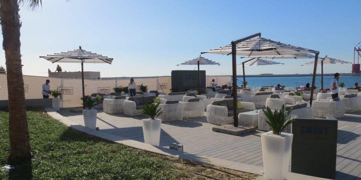 «Smoky Beach», еще один из самых фешенебельных отелей ОАЭ, также использовал белую коллекцию Dynasty.