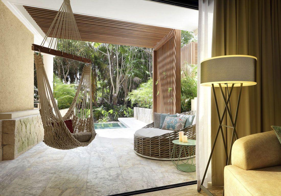 Отель «TRS Yucatan» отдал предпочтение колоритной мебели Olivia.