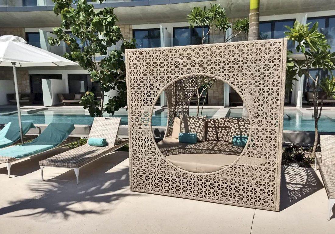Сочетание мебели из коллекций Brafta и Cube в «Gran Hotel Miramar» в Малаге (Испания).