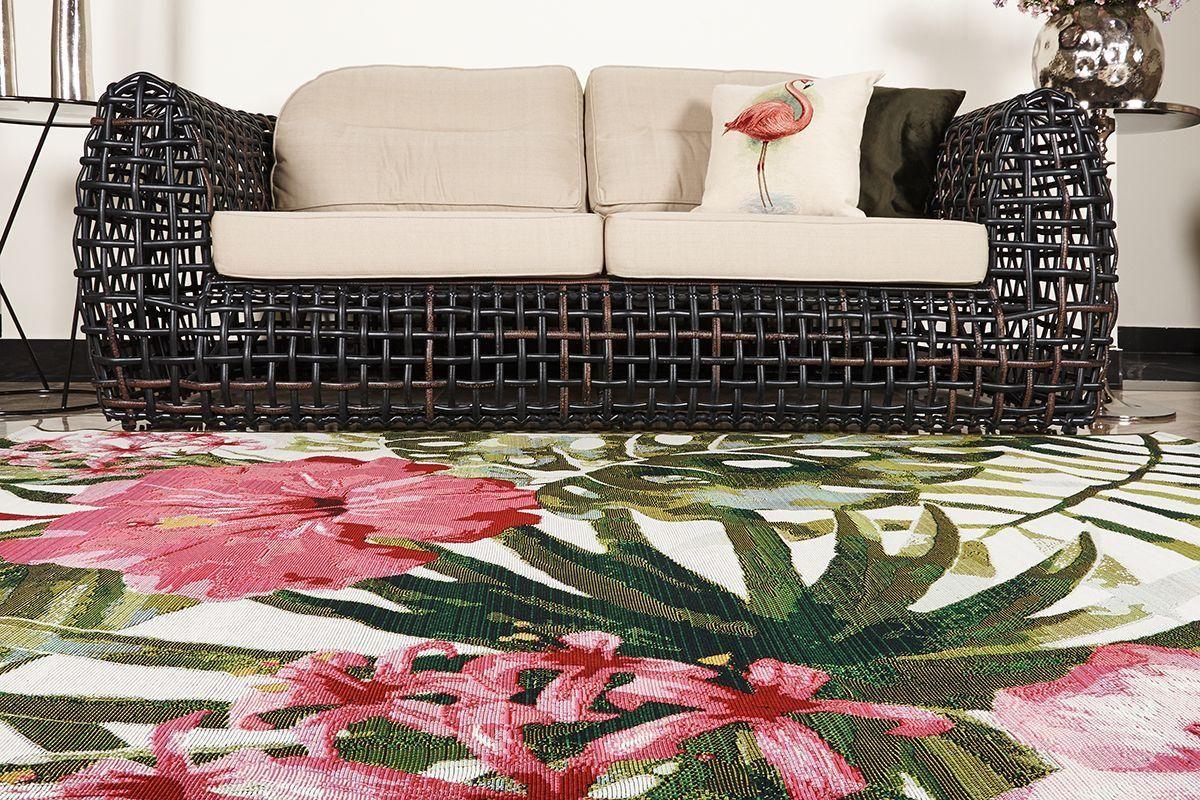 Долговечные и неприхотливые ковры для улицы с экзотическими и африканскими рисунками