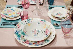 Каждый предмет посуды обладает уникальным принтом – именно это делает композицию Paradise неподражаемой и столь прекрасной